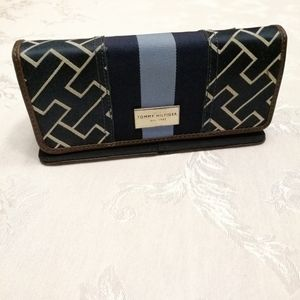 Tommy Hilfiger classic women's wallet